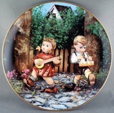 M. J. Hummel Private Parade  Little Companions  Collector Plate