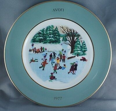 Avon Christmas Skaters on the Pond Collector Plate 1977 Wedgwood