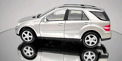 Welly 1/18 Mercedes-Benz ML350 Diecast Model Avail in Silver