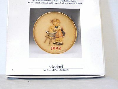 "Hummel Goebel 1993 23rd Annual Plate ""DOLL BATH"" Girl Bas Relief Hum 289 MIB"