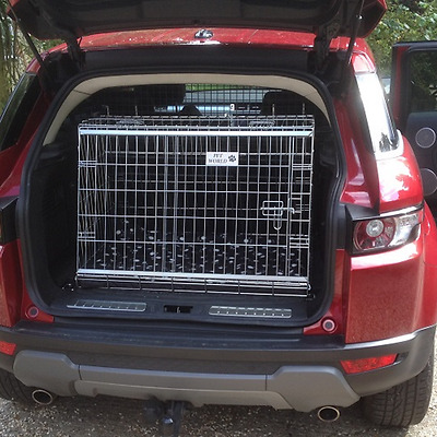 Pet World RANGE ROVER EVOQUE CAR BOOT CAGE SLOPING TRAVEL PUPPY CRATE PET SAFETY