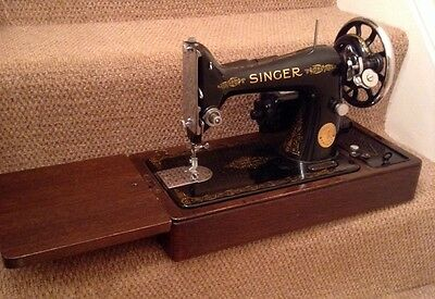 Vintage Singer Electric Sewing Machine. No 99. 1938