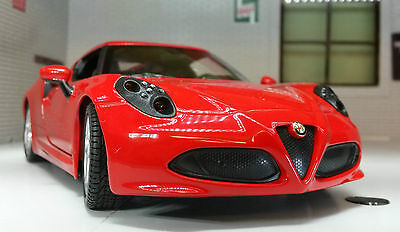 Alfa Romeo 4C Coupe 1:24 Scale Welly 2013 Diecast Detailed Engine Model 24048