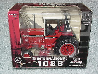 Ertl 1/16 Ih International Harvester 1086 30 Th Anniversary Tractor