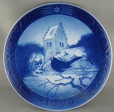 Royal Copenhagen Denmark 1966 Collector Plate Blackbird at Christmas Time