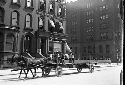 VTG 1900's GLASS  PLATE NEGATIVE OF HORSE CARRIAGE ON NEW YOK CITY STREET #2