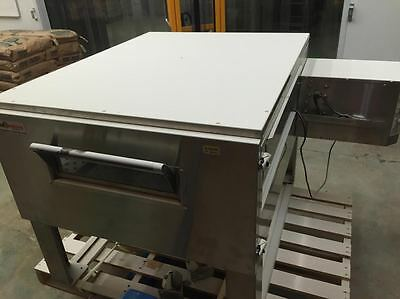 Global Cooking 3240 Impingement Conveyor Single Stack Pizza Gas Oven