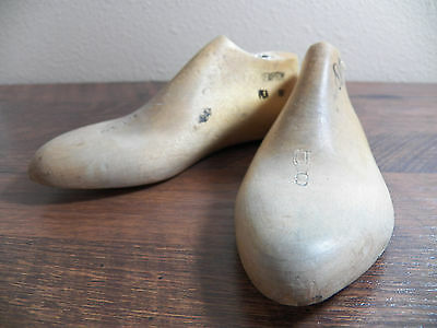 Childrens Wood Wooden 1 Pair SIZE 8 D Dress Shoe Lasts Molds Cobbler 3475