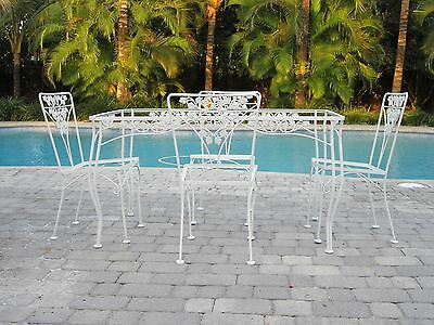 Vintage wrought iron patio set with a grape motif (total 8 pieces)