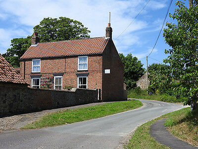 FARM COTTAGE HOLIDAY LET YORKSHIRE BRIDLINGTON FISHING SLEEPS 6 5 4 3 2 from £99