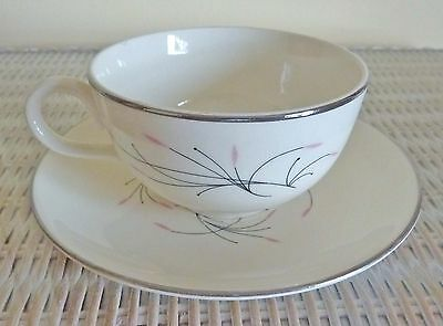 So 1950's Homer Laughlin RHYTHM CAPRI Set of 2 CUPS/SAUCERS, Pink/Black, Excelle