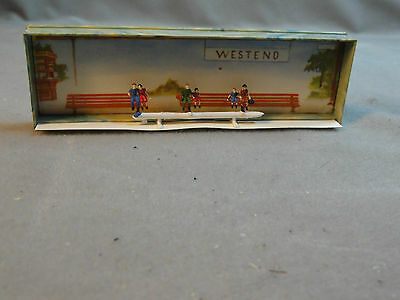 Merten N Scale N867 867 (6) Passengers Sitting Figures People