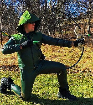 Green Arrow Season 1 Bow