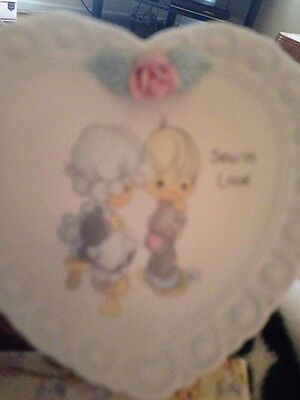 """Precious Moments """"Sew In Love"""" 1994 Heart-Shaped Collector Plate w/stand"""