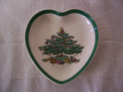 Spode Christmas Tree  No. S 3324-M Heart Shaped Nut Tray or Candy Dish Trinket