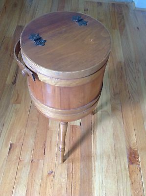 Rare Genuine Antique Sewing Shaker Box On 3 Spindle Legs EXCELLENT CONDITION!