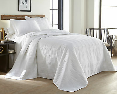 "3-piece Super Soft Oversized 118""x106"" Plaid Bedspread Coverlet King Set, White"