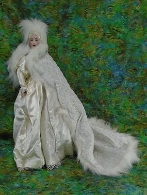 1988 Franklin Mint Heirloom Porcelain Masquerade Doll Snow Queen
