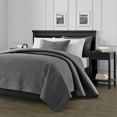 Pinsonic Quilted Austin Oversize Bedspread Coverlet  3-piece Queen Set, Charcoal
