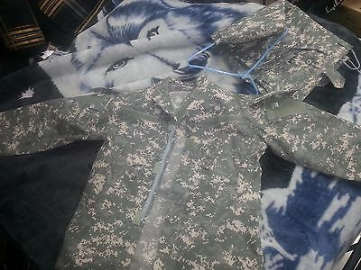 acu camo long sleeve Jacket and pants Both Large