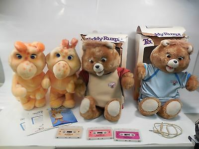 COLLECTION OF VINTAGE 1980s TEDDY RUXPIN TALKING BEAR W/BOX BLUE JUMPER GRUBBY