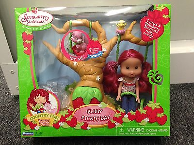 Playmates Strawberry Shortcake Country Fun BERRY PICNIC DAY Tree Swing RARE Doll