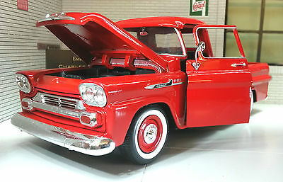 G LGB 1:24 Scale 1958 Chevrolet Apache Fleetside Pickup Diecast Model Red