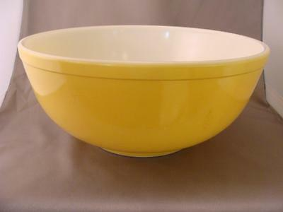 PYREX Large Yellow Mixing Bowl from Primary Colors Set