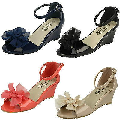 Wholesale Girls Wedge Sandals 16 Pairs Sizes 9-2  H1074