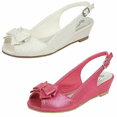 Wholesale Girls Wedge Sandals 16 Pairs Sizes 10-2  H1089