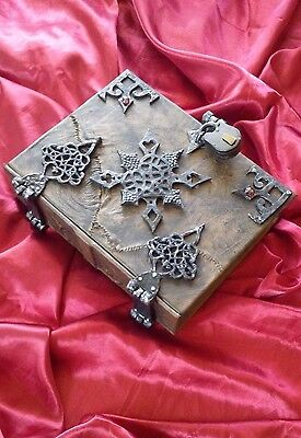 400 REMOVABLE pages Leather American McGees Alice wonderland Diary Journal