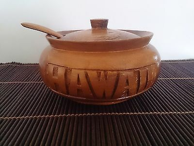 Hawaiian Wooden Carved Bowl with Spoon And Lid