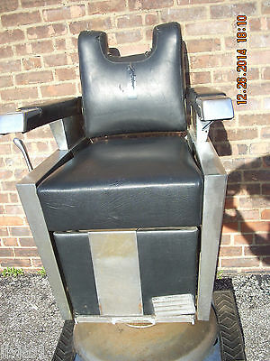 Theo Koch barber chair, great for parts and restoration project, used but nice