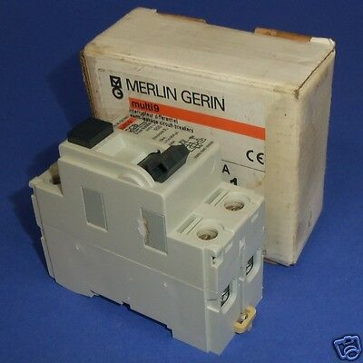 MERLIN GERIN multi9 240VAC RCCB 2-POLE 25 30mA CIRCUIT BREAKER RMG250302 *NEW*