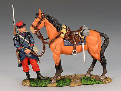 King and (&) Country FW067 - Poilu attending to a General's Horse