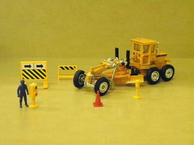1:68 MITSUBISHI HYDRAULIC MOTOR GRADER (ORANGE) Mini Power 21016