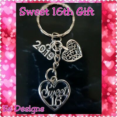 16th SWEET SIXTEEN Keyring 2017 Birthday Gift FREEPOST!!!!2018 in Stock