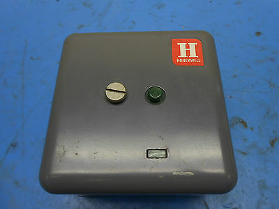 Honeywell Flame Response Safety Switch Type RA890F 1254 2