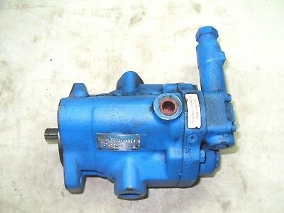 (X9-2)  Vickers 02341644 Pvq13-A2R-Se3S-20-C14-12 Piston Pump