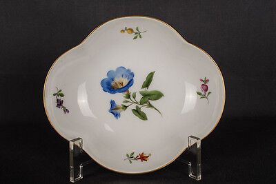 Stranded-pass curved Meissen Bowl in Decor Colorful Flower First Quality