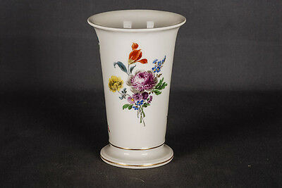 Beautiful painted Meissen Vase with Flowers and Gold 1st Choice
