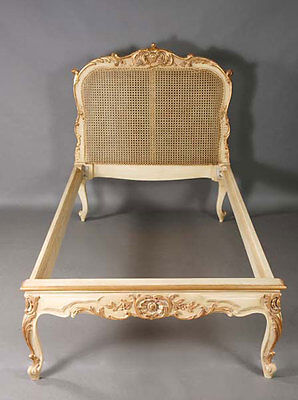 H-Kw-1 Fine carved Bed in the old and antique Louis Quinze Baroque Style