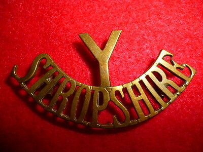 The Y/Shropshire Yeomanry Brass Shoulder Title Badge, Westlake 227