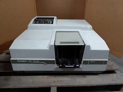 D127613 Varian Cary 3E UV-Visible Spectrophotometer