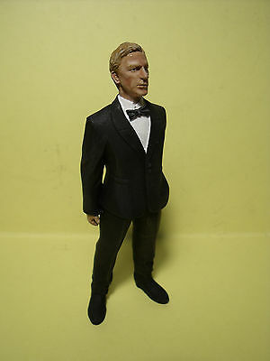 Figurine  1/18  A  Peindre  James  Bond  Daniel  Craig  Vroom  For  Spark