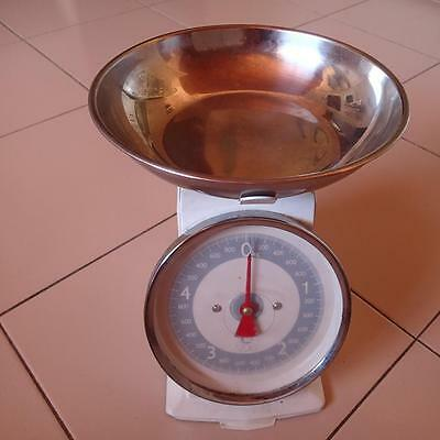 Vintage Kitchen Scales - In Working Order -Excellent Condition