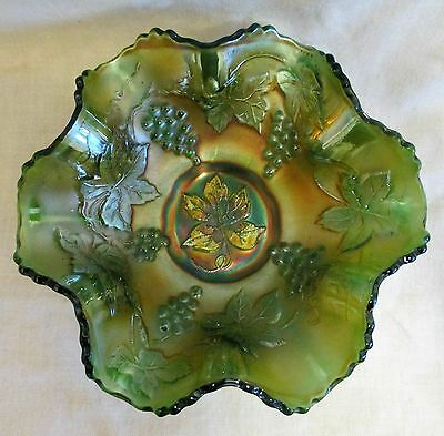 "7"" Fenton Carnival Glass Green Grapes & Vines Leaves Ruffled Bowl"