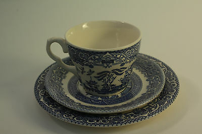 English Ironstone Tableware Willow Pattern Tea Cup Trio
