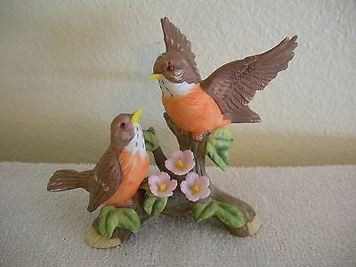 Vintage Mint ROBIN ROBINS BIRD CERAMIC PORCELAIN BISQUE STATUE FIGURINE