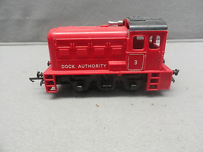 Triang tri-ang 0-4-0 Diesel Dock Shunter in Red Livery R253